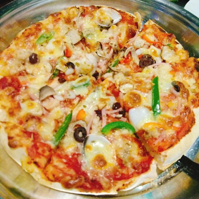 Các món ăn của Al Fresco's được chuẩn bị bởi đội ngũ đầu bếp được đào tạo chuyên nghiệp