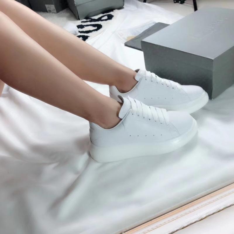 Alexander Mcqueen Sneaker rất được lòng phái đẹp