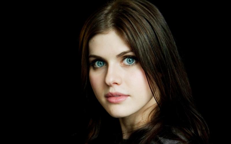 Alexandra Daddano sở hữu đôi mắt đẹp lạ kỳ, cuốn hút