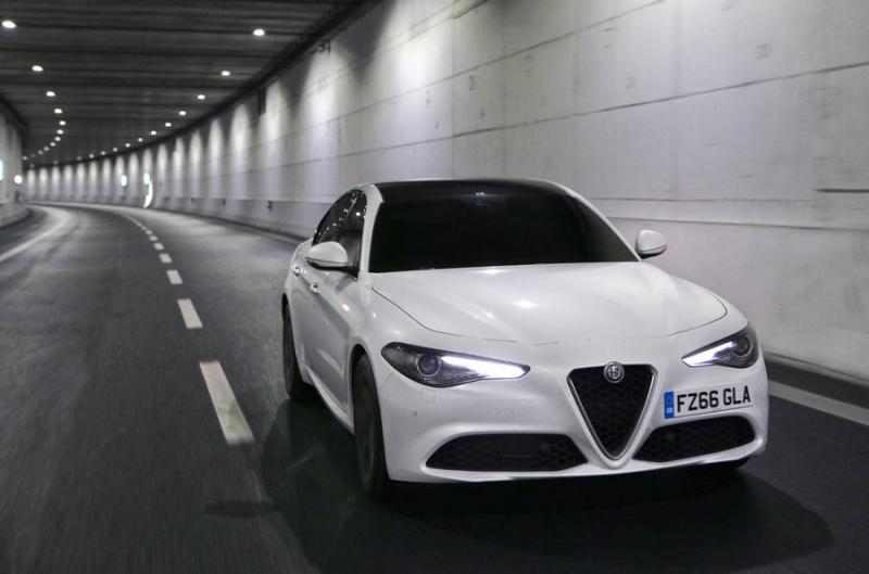 Hình ảnh rò rỉ phần đầu xe Alfa Romeo 5-series