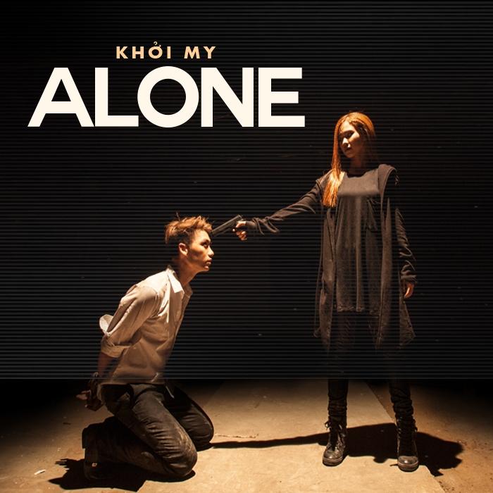 Hình ảnh cực ngầu của Khởi My trong MV Alone