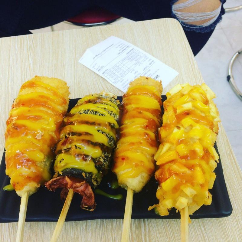 Top 10 địa chỉ bán hot dog Hàn Quốc ngon nhất tại Hà Nội dành cho tín đồ ăn vặt
