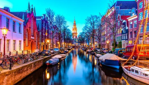 Vẻ đẹp lung linh của Amsterdam khi lên đèn