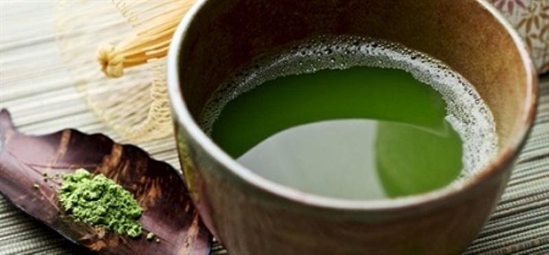 Ăn nhiều lá lốt hoặc uống nước lá lốt sẽ tiêu sữa mẹ nhanh chóng