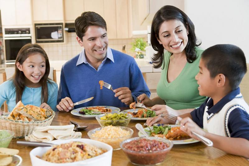 Ăn cơm sớm cũng là mẹo giảm cân hay được nhiều người áp dụng