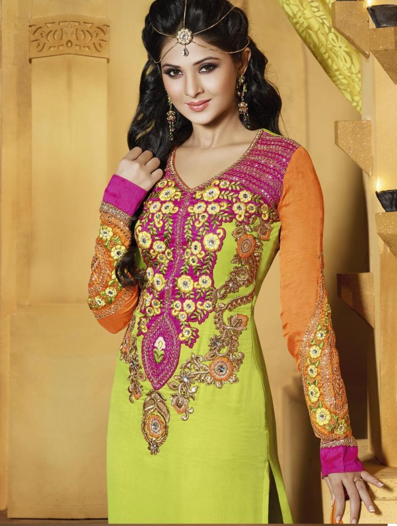 Không ai mặc sari đẹp hơn họ.