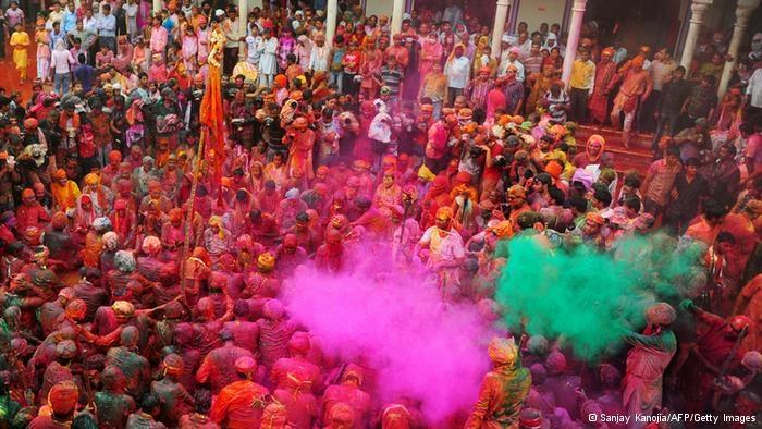 Ấn Độ là quốc gia lớn thứ 7 về diện tích, và đông dân thứ 2 trên thế giới với trên 1,2 tỷ người.