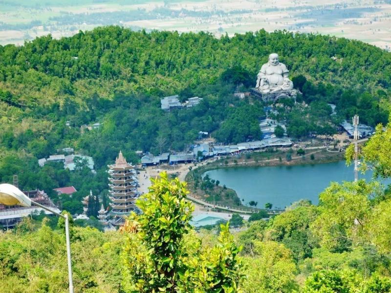Núi Cấm, ngọn núi nổi tiếng của An Giang với độ cao trên 700m