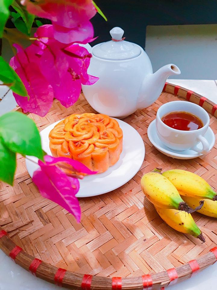Nhâm nhi bánh trung thu cùng chén trà an yên