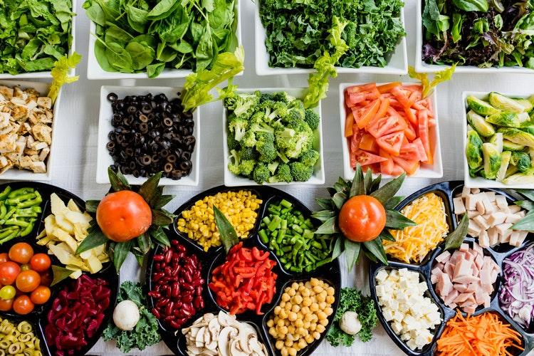 Ngoài ra, ăn nhiều chất xơ còn hạn chế bị táo bón, phòng tránh được các bệnh ung thư về đường ruột, trực tràng.