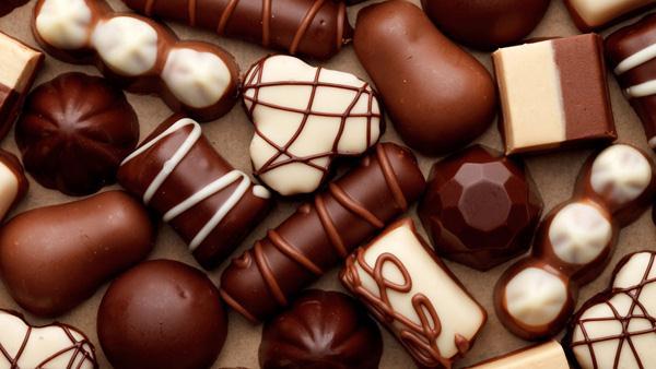 . Những người ăn nhiều chocolate thường có một trí nhớ tốt và khả năng lý luận - nhận thức sắc sảo.