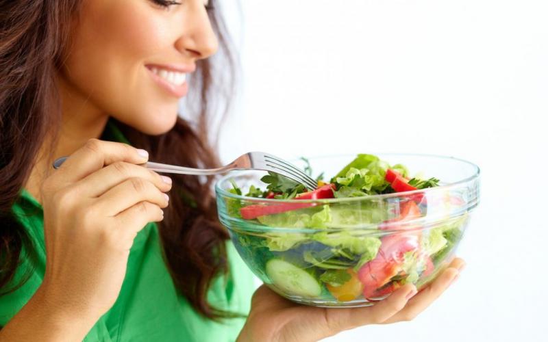 Ăn nhiều rau vào bữa sáng giúp bạn cảm thấy no