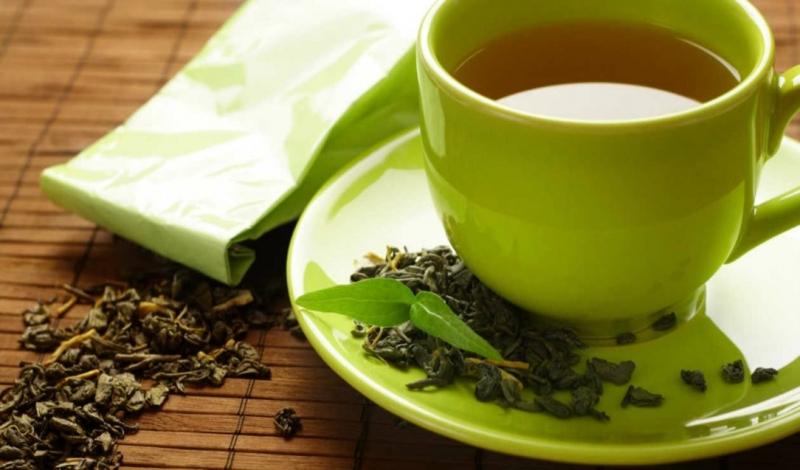Trà xanh chứa rất nhiều chất xơ, bạn nên uống một ly trà xanh mỗi ngày để thanh lọc cơ thể, loại bỏ độc tố, và có vóc dáng hoàn hảo.