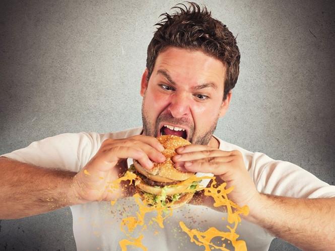 Không nên ăn no trước khi ngủ