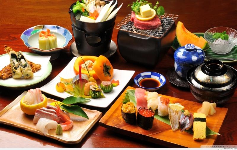 Một bàn đồ ăn thế này thì làm sao bạn cưỡng lại được nhỉ? (Nguồn: Sưu tầm)