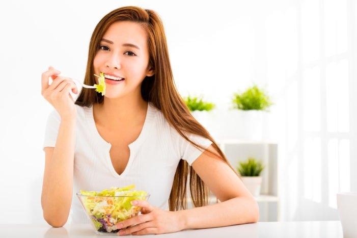 Ăn uống đúng cách sẽ khiến mái tóc khỏe mạnh