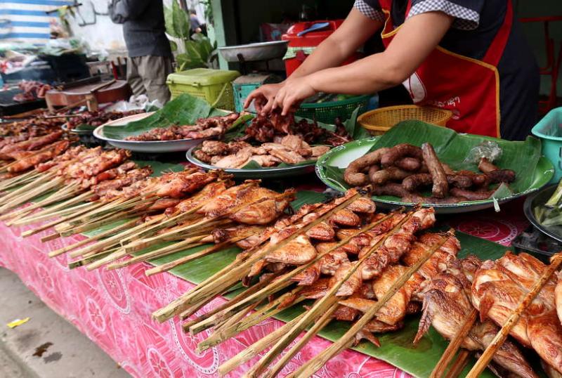 Ăn uống ở Lào