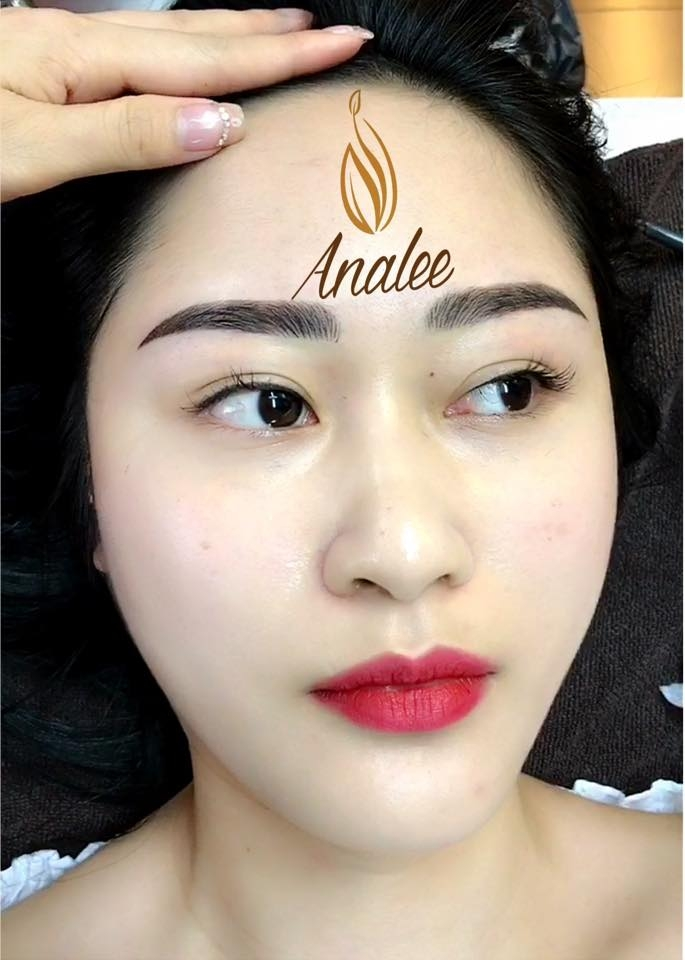 Analee Beauty