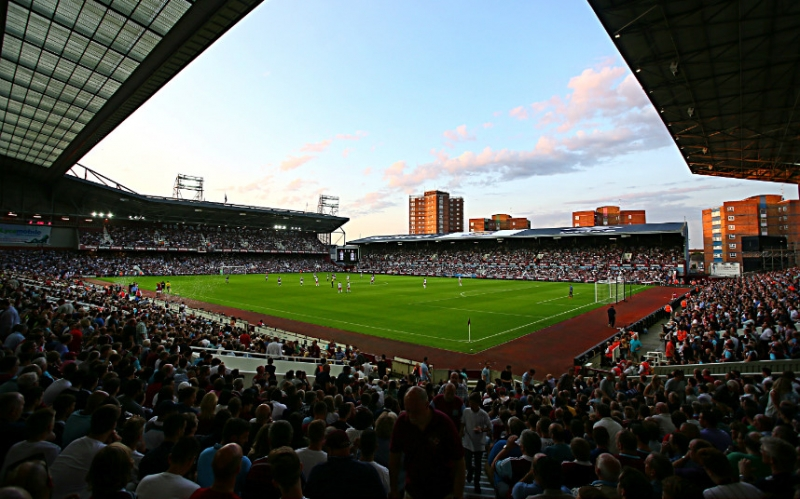 Sân vận động ở Anh