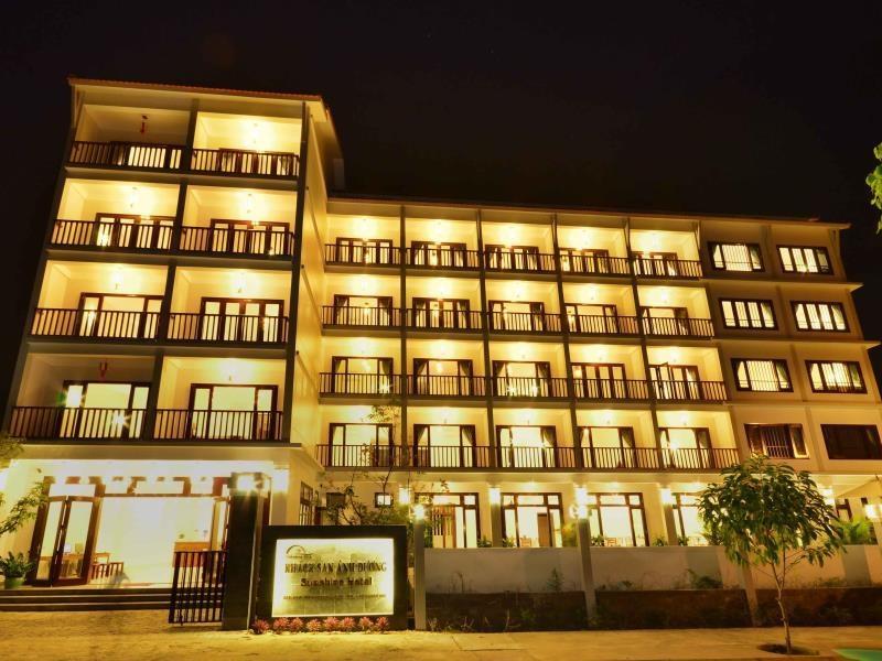 Ánh Dương Hotel