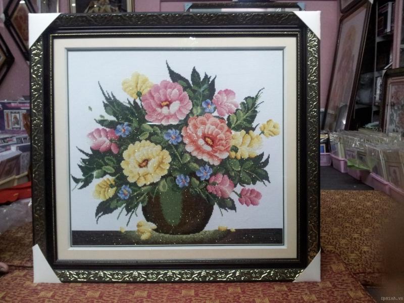 Tranh thêm chữ thập bình hoa tại Anh Hoa Shop