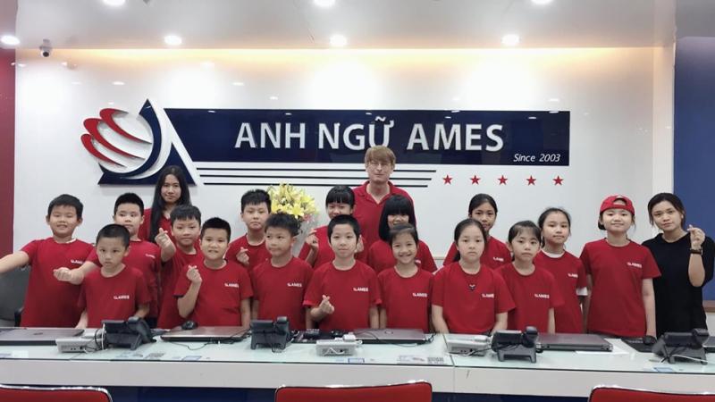 Khóa học luyện thi IELTS tại AMES cam kết chuẩn đầu ra 6.5+ với hơn 3.000 học viên đạt và vượt mục tiêu đặt ra