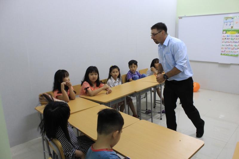 Lớp học với người bản xứ