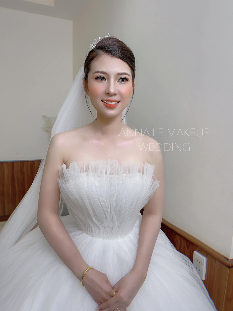 Anna Le Makeup & Wedding