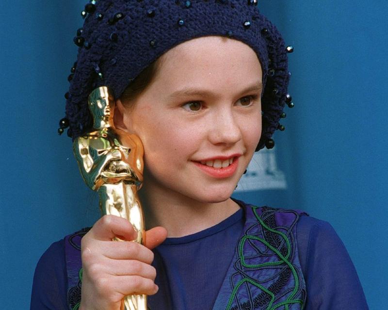 Cô bé xinh xắn Anna Paquin giành Oscar khi mới 11 tuổi.