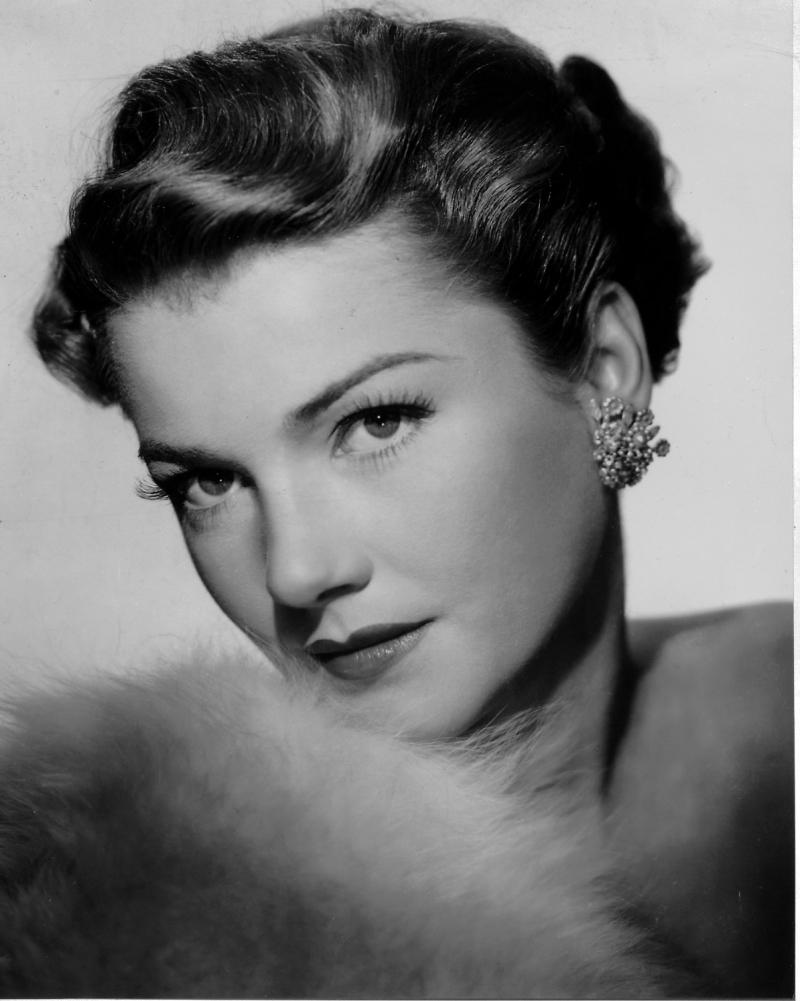Nữ diễn viên Anne Baxter giành Oscar khi còn rất trẻ, 23 tuổi.