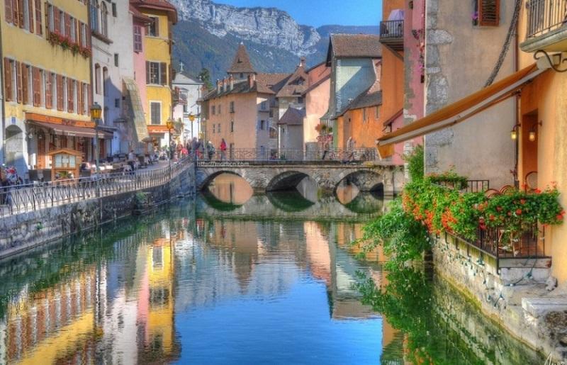 Vẻ thơ mộng của Annecy, Pháp