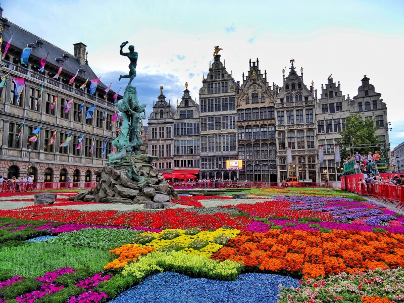 Vườn hoa giữ trung tâm Antwerp, Bỉ