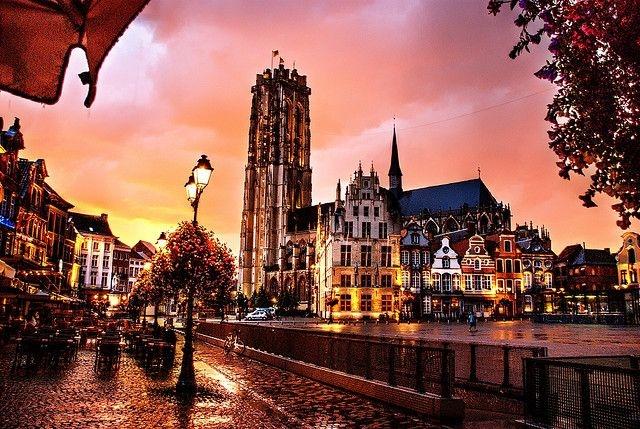 Thành phố Antwerp sang trọng, sầm uất nhưng không kém phần lãng mạn