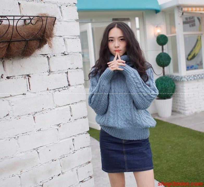Áo len cổ lọ giúp cho chị em giữ ấm và không kém phần cá tính