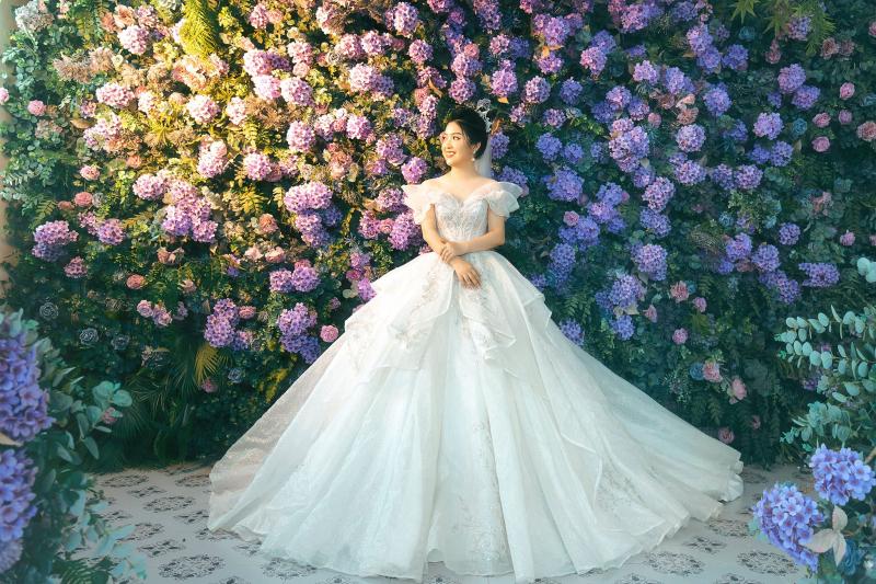 Váy tại  Áo Cưới Anna Nguyễn