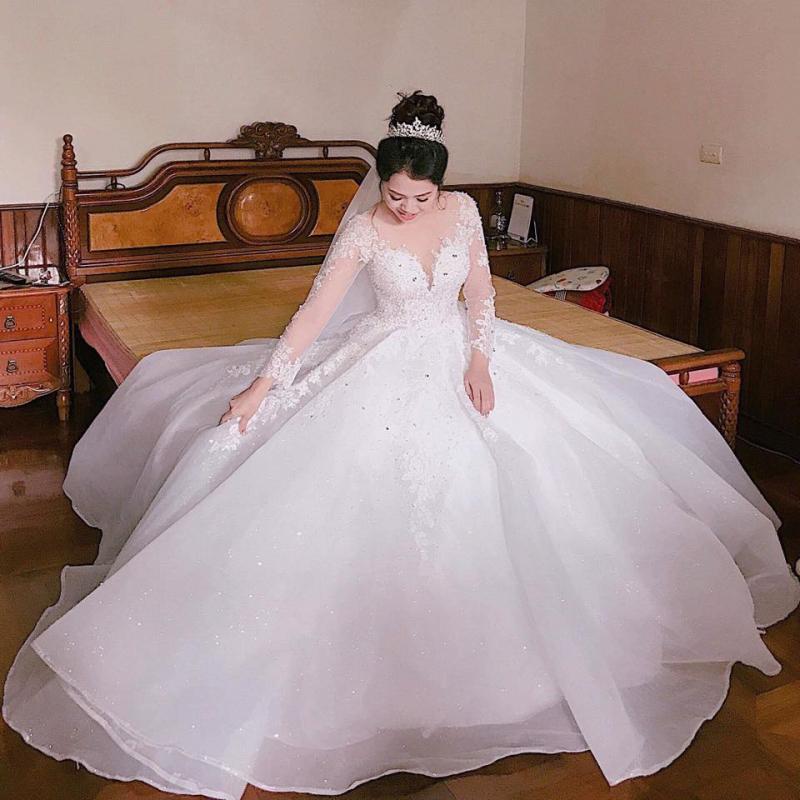 Áo cưới Bính