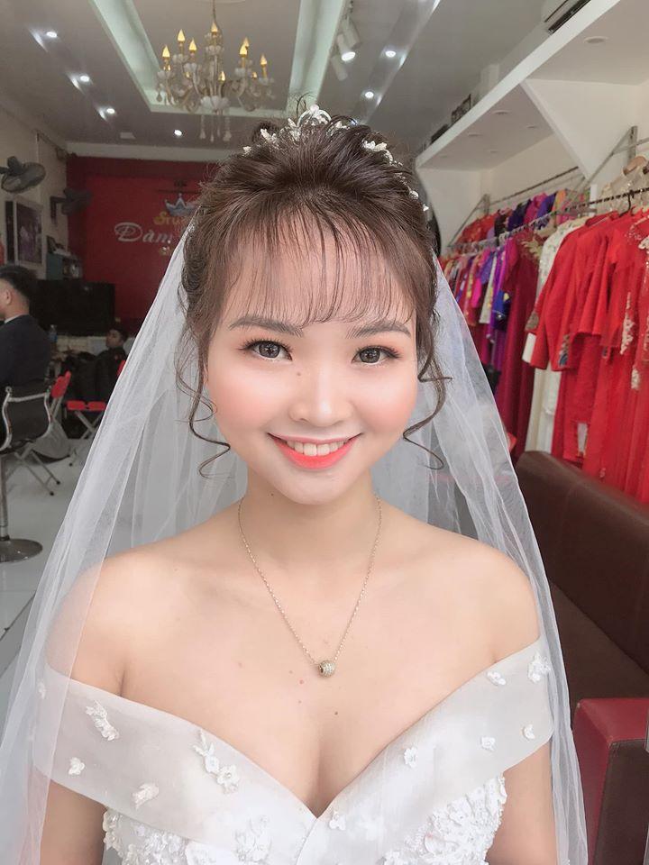 Áo cưới Đàm Thắm