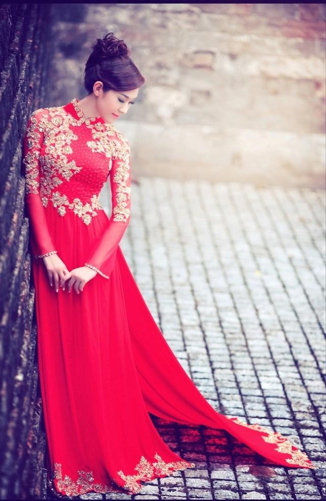Xưởng may áo cưới Hồng Anh tự hào là xưởng may đo áo cưới lớn nhất TPHCM.