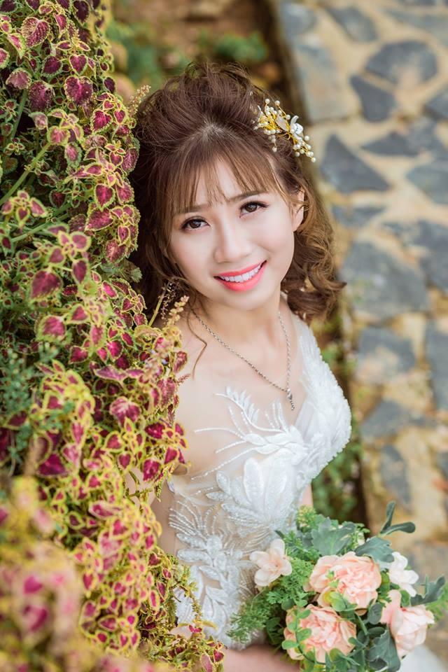 Áo cưới Hùng Lan