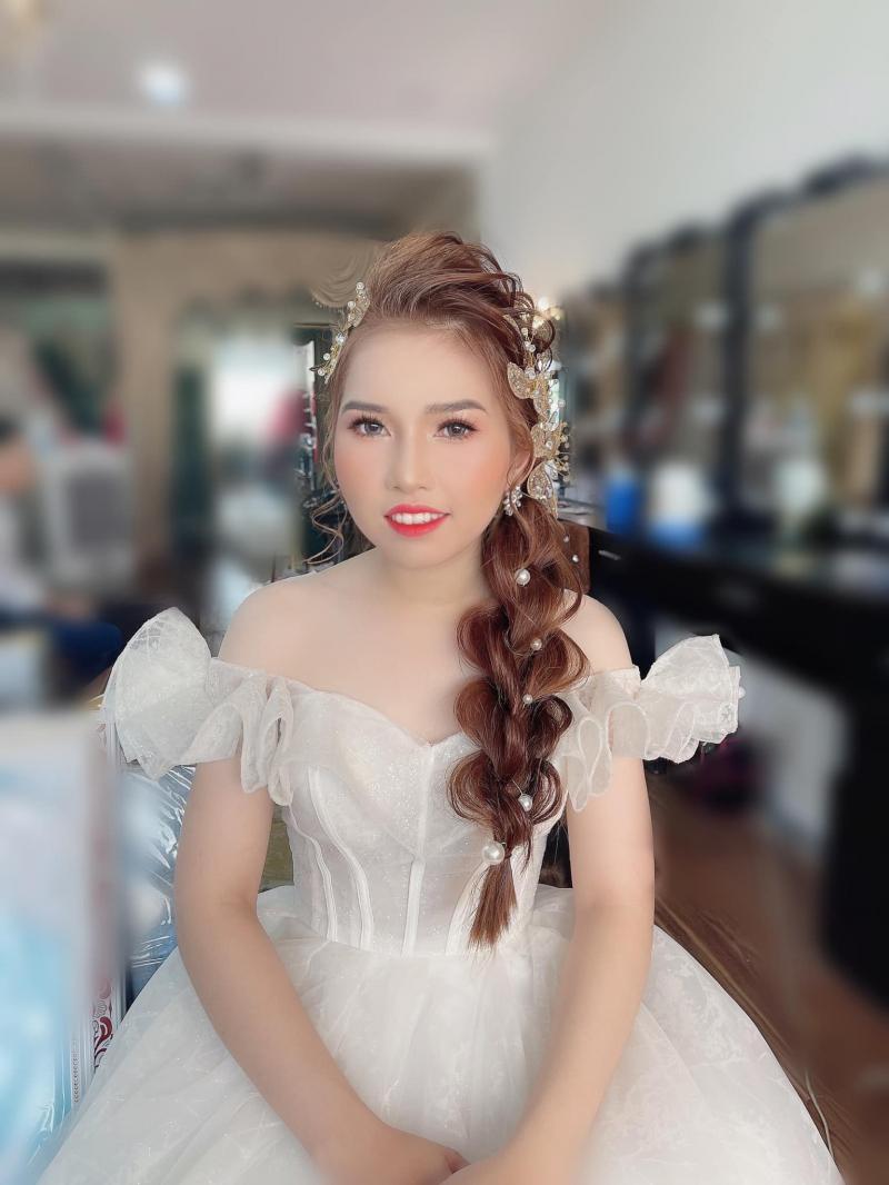 Áo cưới Sunny luôn đặt chất lượng sản phẩm makeup lên hàng đầu