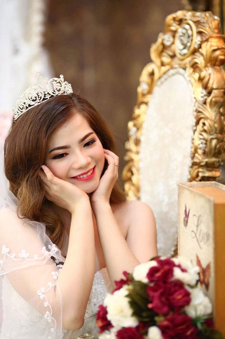 Trang điểm cô dâu phong cách trẻ trung tại Áo Cưới Xinh Xinh