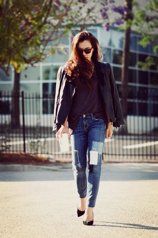 Áo da và quần jean rách