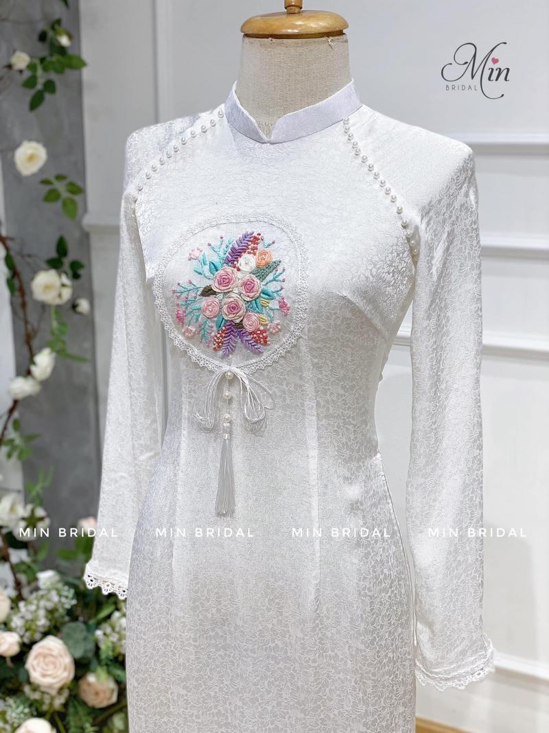 Áo Dài Bưng Quả / Min's Bridal