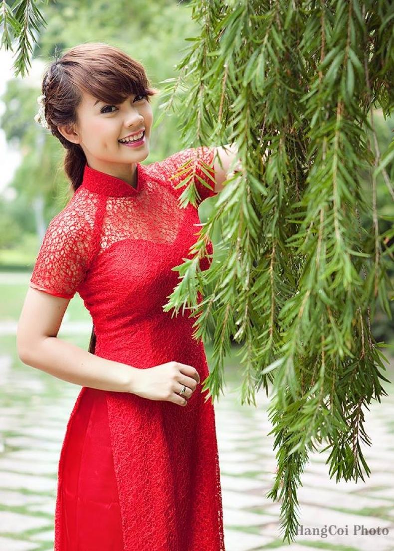 Áo dài Hạnh chuyên cung cấp các loại áo dài cưới cho nhiều thời điểm.