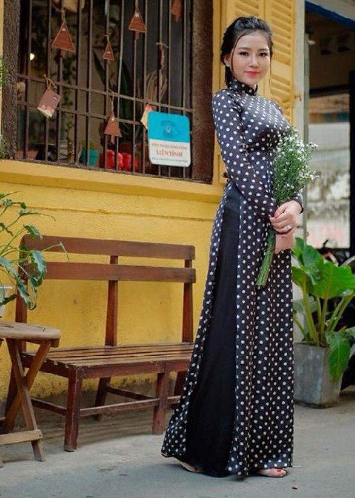 Kiểu áo dài Cô Ba Sài Gòn giá 1.200.000 đồng tại Hạnh