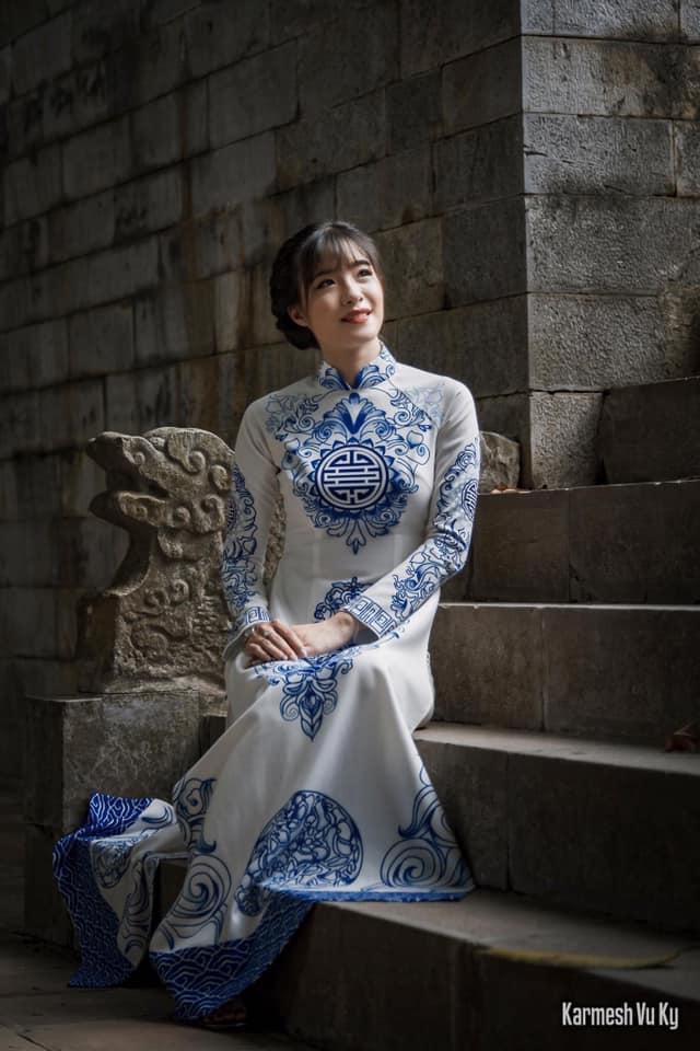 Áo dài Minh Nguyệt