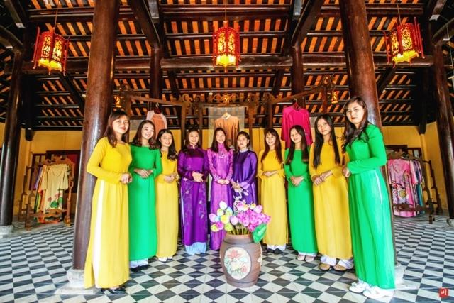 Nữ Cung là địa chỉ uy tín chuyên may đo các loại áo dài Huế với chất lượng cao