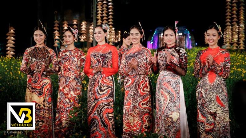 Áo dài Viết Bảo Qb - đẹp về kiểu dáng, tốt về chất liệu, bắt mắt về màu sắc