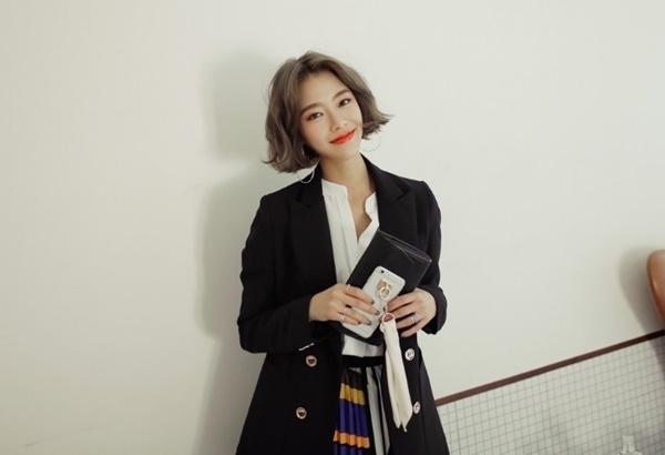 Áo blazer đem lại cho bạn gái thật nhiều phong cách thời trang mới mẻ