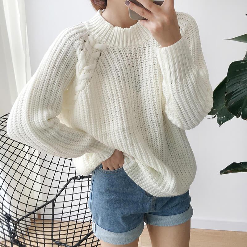 Áo len dày rộng + quần short thoãi mái, trẻ trung